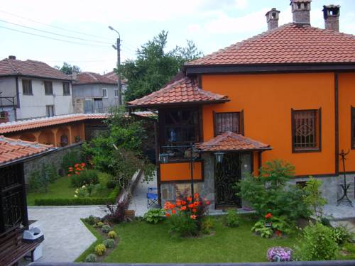 Guest House & Tavern At The Lady's (Chorbadzhiyka)