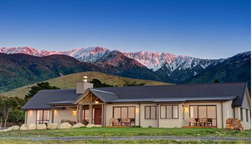 Manakau Lodge