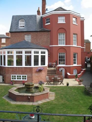 Sandford House Hotel