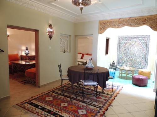 AppartHotel Khris Palace