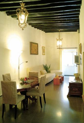 Girona Medieval Suites Apartments