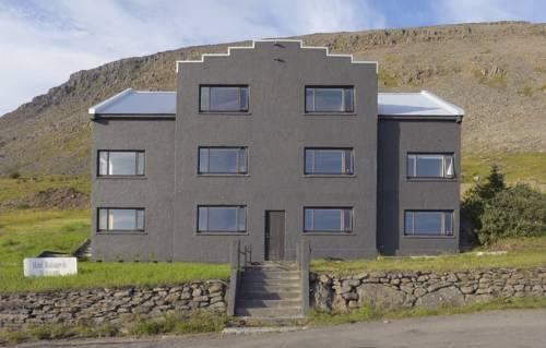 Radagerdi Hostel