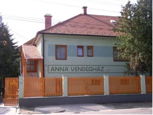 Anna Panzió