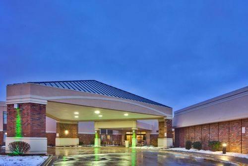 Holiday Inn Rochester-Airport
