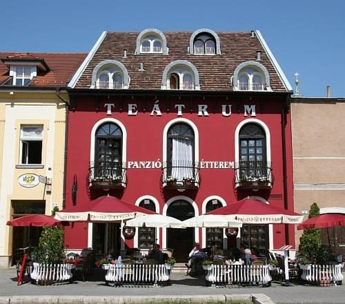 Teátrum Panzió és Étterem
