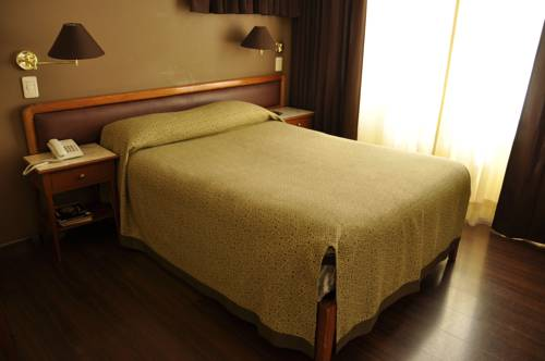 Crismar Hotel