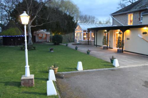 Millhouse Hotel And Riverside Restaurant