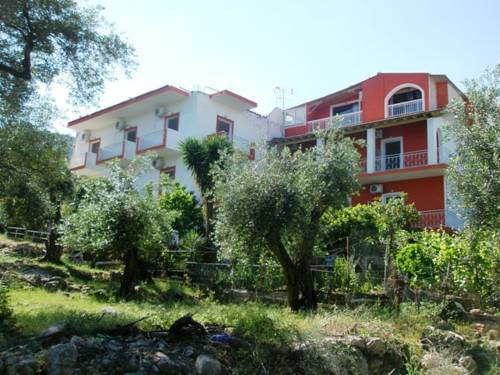 Alexandros Studios and Apartments