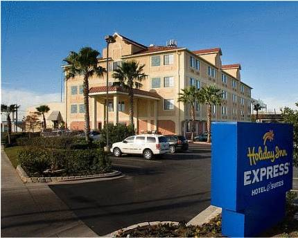 Holiday Inn Express & Suites San Antonio - Downtown Market Area