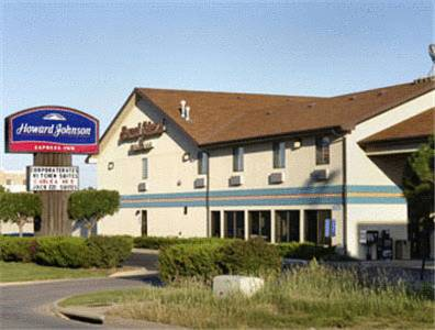 Howard Johnson Inn Wichita Airport