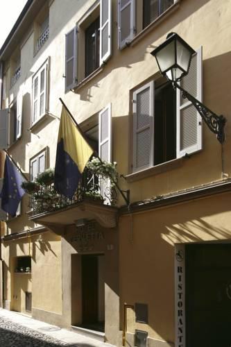 Hotel Cervetta 5