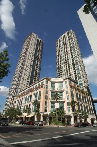 Joya Lofts and Towers - Rockwell
