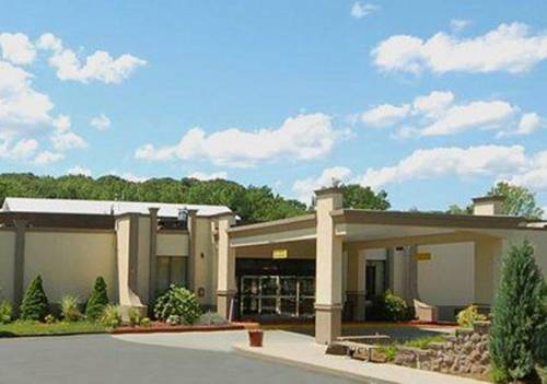 Clarion Hotel West Springfield