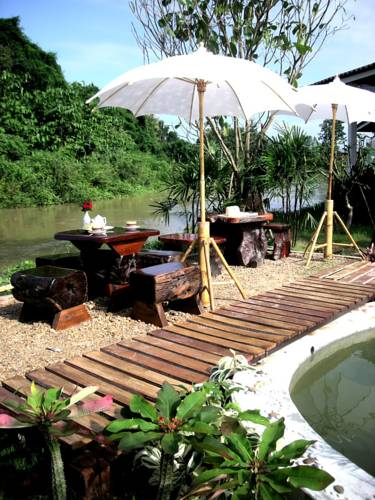 Baan Rim Klong Resort
