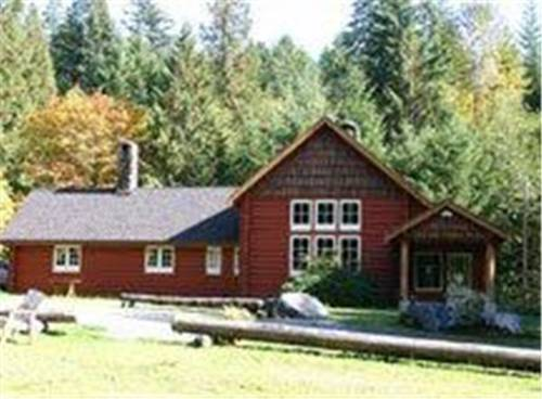 Copper Creek Inn, Cabins and Lodge @ Mt. Rainier